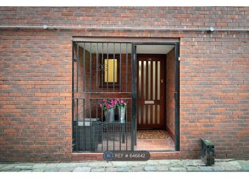 4 bed maisonette to rent in Worcester Mews, London NW6