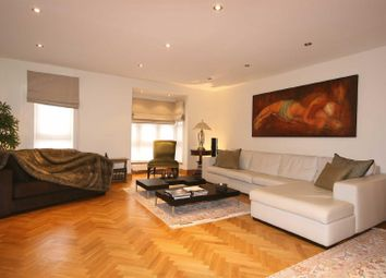 4 bed property for sale in Windsor Way, London W14