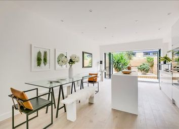Thumbnail 4 bedroom property to rent in Kings Road, Fulham, London