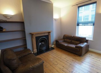2 bed flat to rent in Jameson Street, Hull HU1