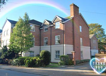 2 bed flat for sale in Wimblehurst Road, Horsham RH12