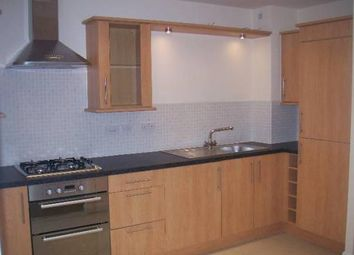 Thumbnail 4 bed flat to rent in Dragon Road Opposite University Of Hertfordshire, Hatfield