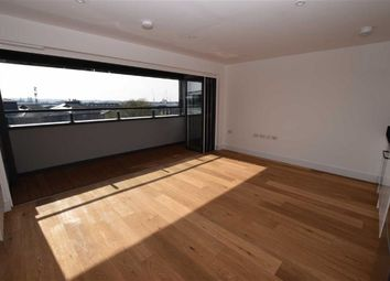 Thumbnail 1 bed flat to rent in Elstree Way, Borehamwood, Hertfordshire