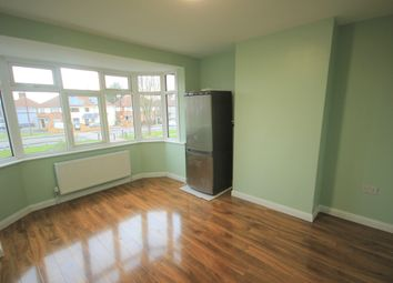 1 bed flat to rent in Rush Green Road, Romford RM7