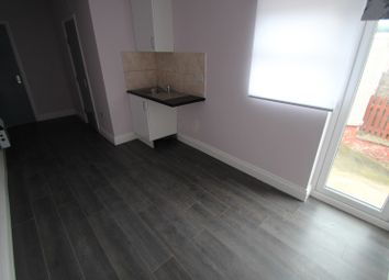 Thumbnail Studio to rent in Elm Grove, Flat 3, Erith