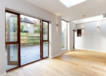 Thumbnail 2 bed flat to rent in Fauconberg Road, London