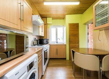 Thumbnail 3 bedroom flat to rent in Basingdon Way, London