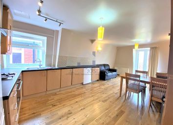 4 bed flat to rent in Farnan Road, Streatham SW16