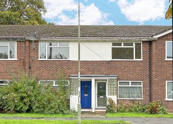 2 bed property to rent in Cheyne Way, Farnborough GU14