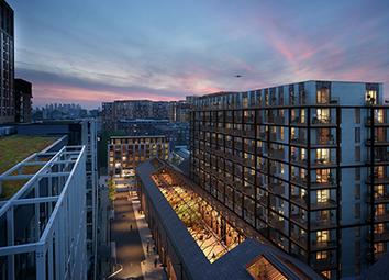 Duke Of Wellington Avenue, London SE18. 3 bed flat