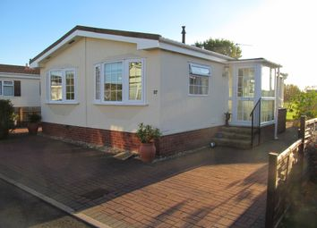 Thumbnail 2 bed mobile/park home for sale in Badgers Lane (Ref 5745), Broadway Park, Evesham, Worcestershire
