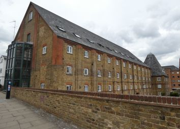 1 bed flat to rent in Clifton Road, Gravesend DA11