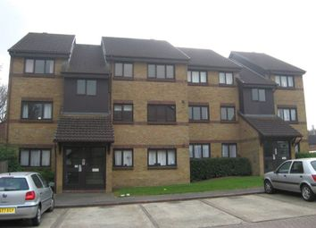 Thumbnail 1 bed flat to rent in Littlebrook Avenue, Burnham, Slough