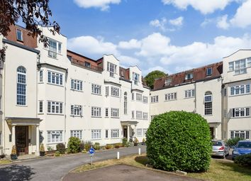 2 bed flat for sale in Etchingham Park Road, London N3