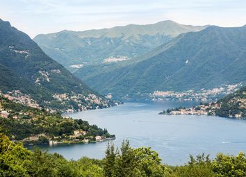 Thumbnail 3 bed villa for sale in Between Como And Cernobbio, Lake Como, Lombardy, Italy