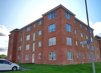 2 bed flat to rent in Tullis Gardens, Glasgow G40