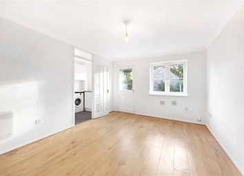 1 bed flat to rent in Walton Park, Walton-On-Thames, Surrey KT12