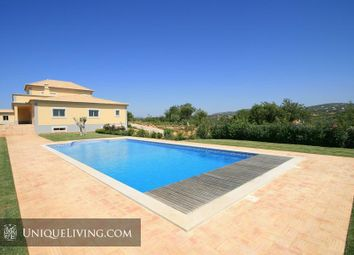 Thumbnail 4 bed villa for sale in Golden Triangle, Central Algarve, Portugal
