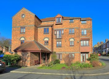 Thumbnail 1 bedroom flat to rent in Albeny Gate, St Albans, Herts