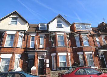 2 bed flat to rent in Latimer Road, Eastbourne BN22