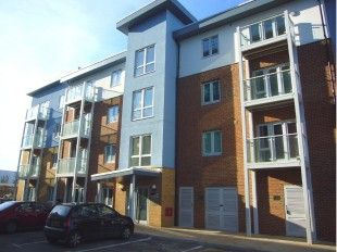 1 bed flat to rent in Foundry Court, Slough SL2