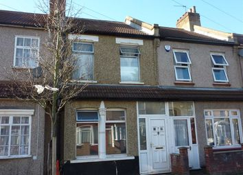 3 bed property to rent in Argyle Road, London N18