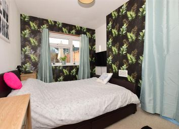 Thumbnail 2 bedroom maisonette for sale in Napier Road, Northfleet, Gravesend, Kent