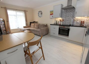 Thumbnail 2 bed flat for sale in Sharpcroft, Old Town Borders, Hemel Hempstead