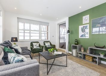 Thumbnail 3 bed flat to rent in Surrey Quays Road, London