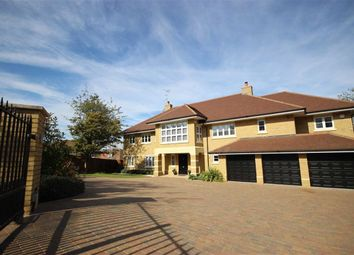 Thumbnail 6 bed detached house for sale in The Hammonds, Harpenden, Hertfordshire