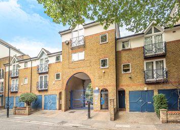 Croft Street, London SE8. 1 bed flat