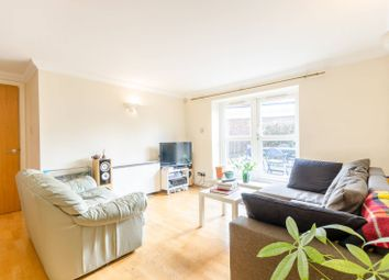 Thumbnail 2 bed flat to rent in Essex Road, Islington