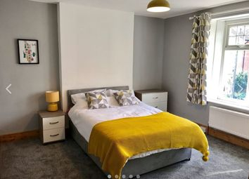 Thumbnail Room to rent in Victoria Avenue, Chard, Somerset