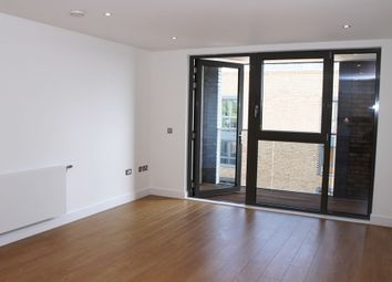 Thumbnail 1 bed flat to rent in Chamberlain Court, Surrey Quays
