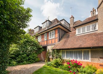 Thumbnail 2 bed flat to rent in Flat 3 Oriel House, Goring On Thames