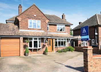 Thumbnail 4 bed detached house for sale in First Avenue, Dunstable
