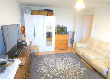 Thumbnail 1 bed flat to rent in Harvey House, Green Dragon Lane, Brentford