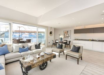 Thumbnail 3 bed flat to rent in Fulham Road, Fulham Broadway, London