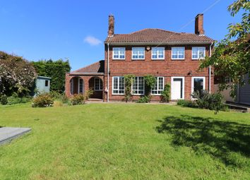 Thumbnail 3 bed detached house for sale in Queen Mary Avenue, Cleethorpes