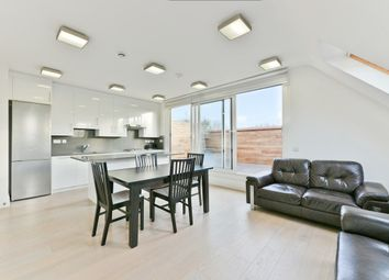 Thumbnail 2 bed flat to rent in Elm Avenue, London