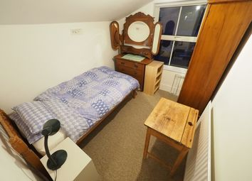 Room to rent in Queens Road, Egham TW20