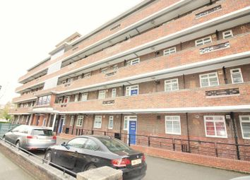 Thumbnail 3 bed flat to rent in Cresset Road, London