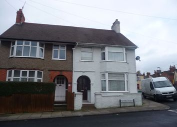 3 bed property to rent in Norfolk Terrace, Northampton NN2