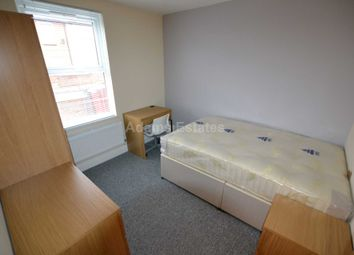 5 bed terraced house to rent in Cumberland Road, Reading RG1