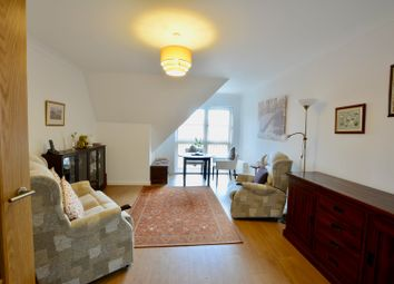 Thumbnail 2 bed flat for sale in 12 Pond Hill Gardens, Sutton