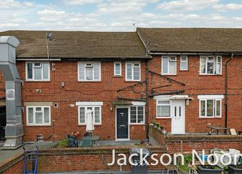 Hook Road, Chessington KT9. 3 bed flat