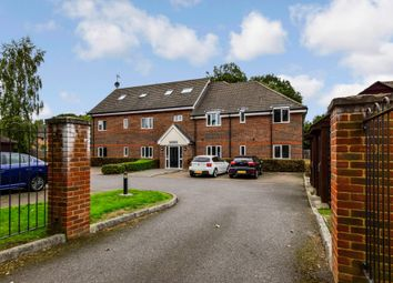 Thumbnail 2 bed flat for sale in Oakbrook, Crawley