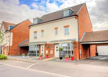 4 bed town house for sale in Whitlock Avenue, Wokingham RG40