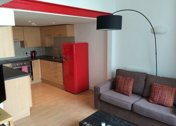 2 bed maisonette to rent in Cadogan Road, Woolwich, London, Greater London SE18