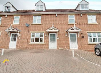 3 bed town house for sale in Queen Street, Thorne, Doncaster DN8